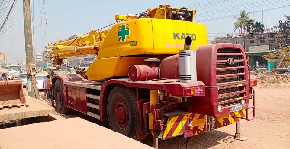 KATO SL 600 Mobile Crane 60 ton Capacity rental in Bangladesh